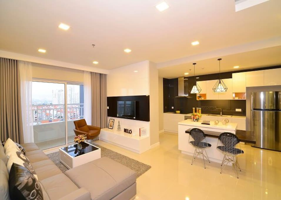 Apartment for rent at Sunrise City, Nguyen Huu Tho, District 7.
