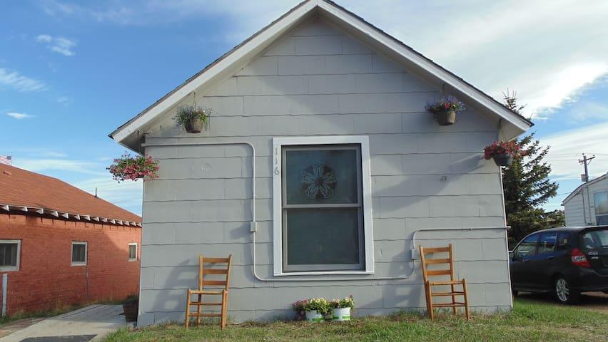 """""""Shotgun"""" cabin in the heart of Cripple Creek"""