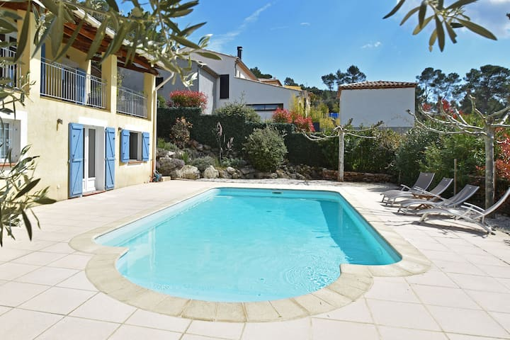 Spacious villa with private swimming pool, fabulous view, near Côte d'Azur