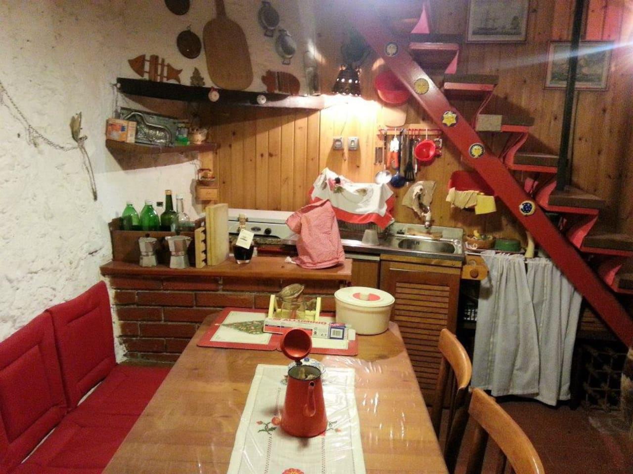 Cucina con angolo cottura