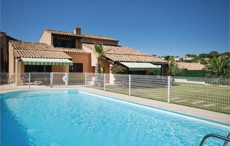 Holiday cottage with 4 bedrooms on 180m² in Sainte Maxime