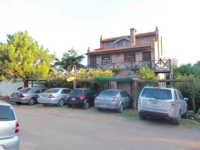 Departamento a media cuadra del mar - Valeria del Mar - Apartament