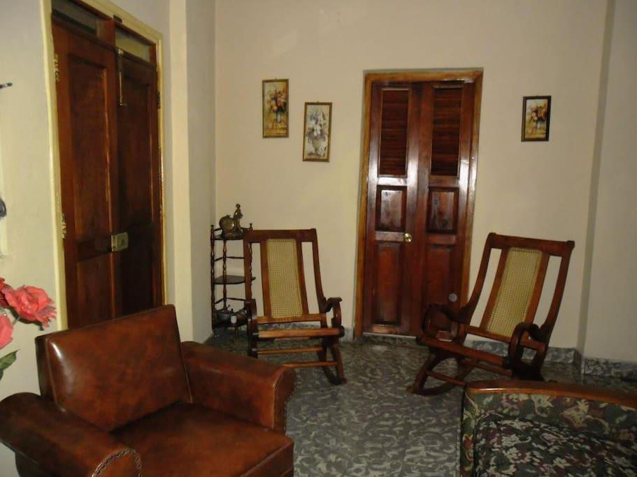 La sala / The main room