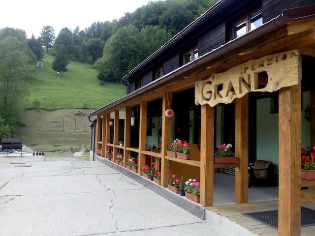 Penzion Grand - Bystrá