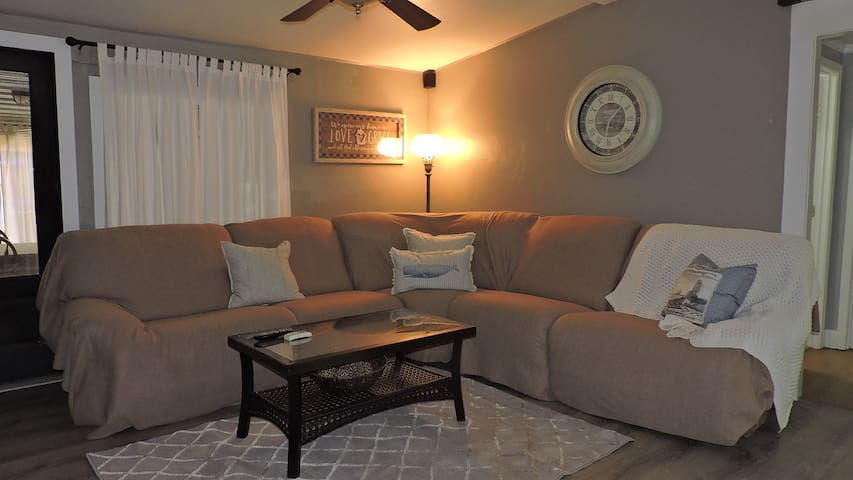Blue Bayou **3.9 MILES TO THE BEACH/ PET FRIENDLY