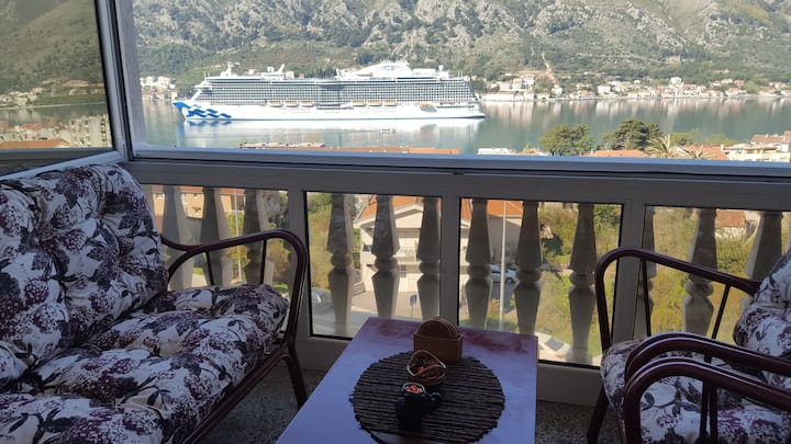 Kotor, Lazar  2 bedroom apartment with sea view