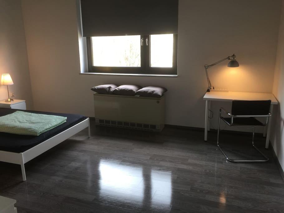 Zimmer groß 2