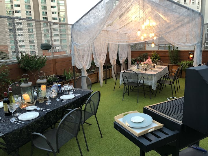 [Roof top BBQ party + Accommodation] Mapo, Seoul