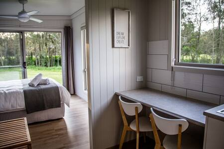 """Farmers Retreat"" Hunter Valley Off-grid eco cabin"