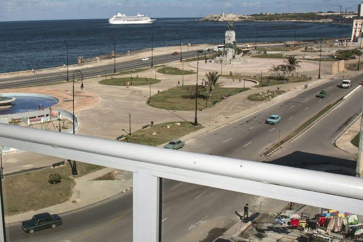 Casa Medina Centro Habana, Amazing Sea Breezes