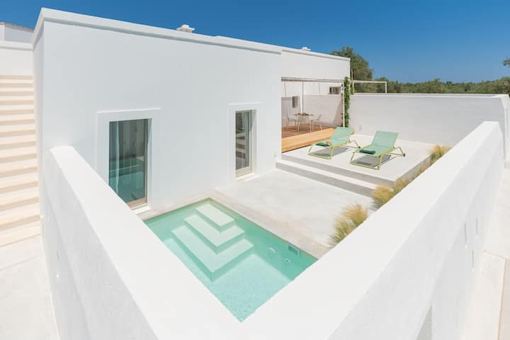 """Charming Holiday Apartment """"Masseria Pensato Suite Carrubo"""" with Wi-Fi, Balcony, Terrace & Garden; Parking Available"""
