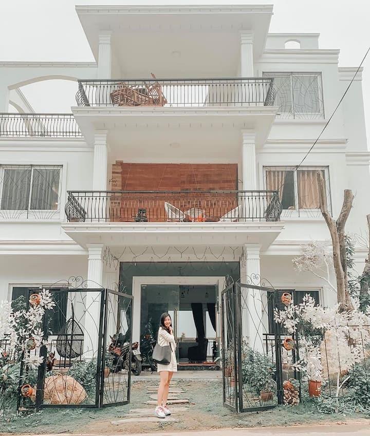 The White House - View hồ Đồng Đò -Swim, Party,BBQ