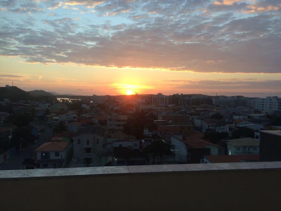 Vista do nascer do sol do apartamento