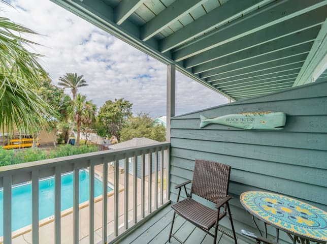 Paradise30A~InletSands, Renovated Studio, Comm. Pool, Walk to the Beach!