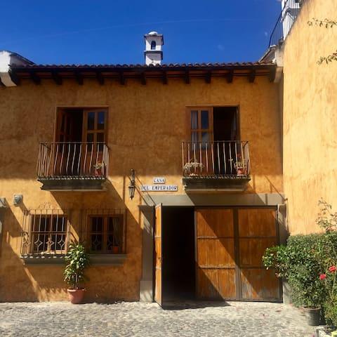 Casa Del Emperador in central & safe neighbourhood - Antigua Guatemala - House