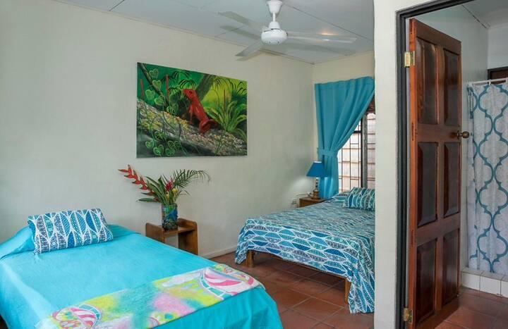 NIce room near the beach and National Park