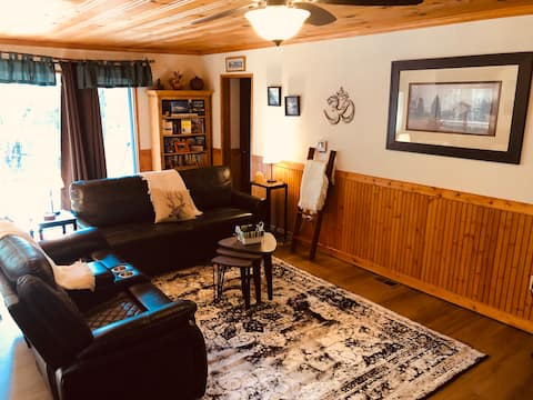 Peace of Your Harte Lake Cabin ~All Season Comfort