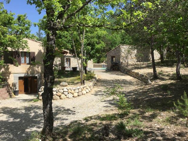 Chambres d'hôtes au cœur du Verdon - Estoublon - Villa