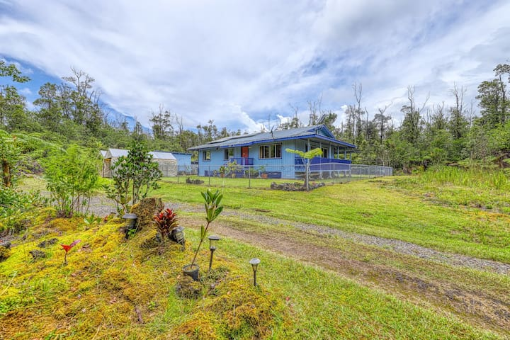New listing! Tropical volcano home w/secluded yard and mountain views!