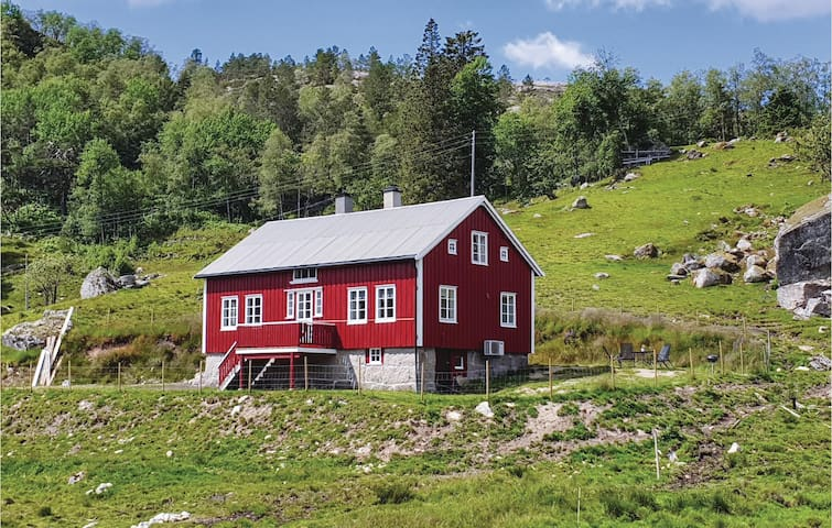 Holiday cottage with 4 bedrooms on 100m² in Kvinesdal