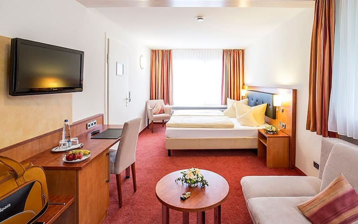 Portens Hotel Fernblick, (Höchenschwand), DZ (Nordzimmer) mit Dusche/Bad und WC