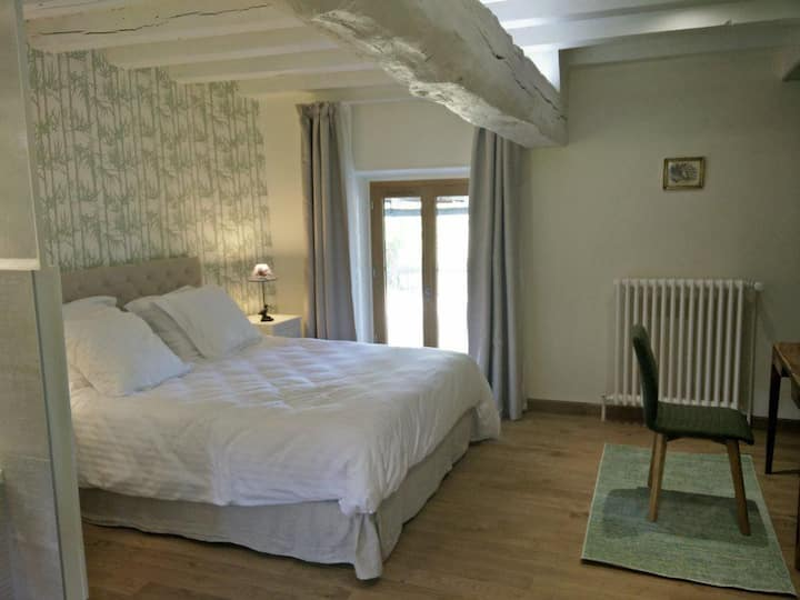 Double room-Ensuite with Bath-La chambre Coulanges