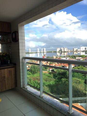 Conforto e excelente localização :) - São Luís