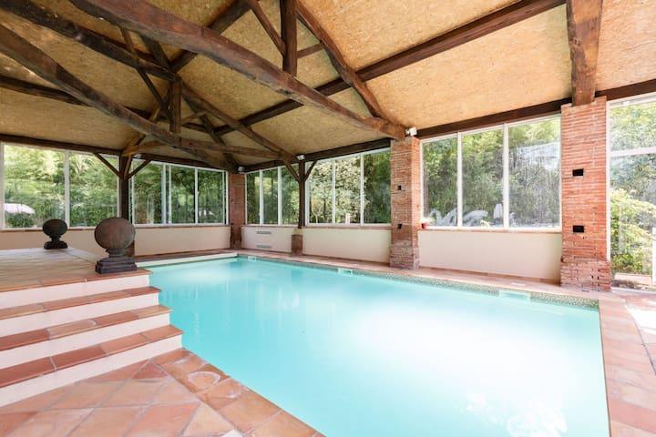Prachtige villa in Marquefave met een sauna
