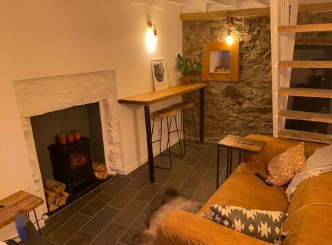 Tiny cottage in heart of Pwllheli