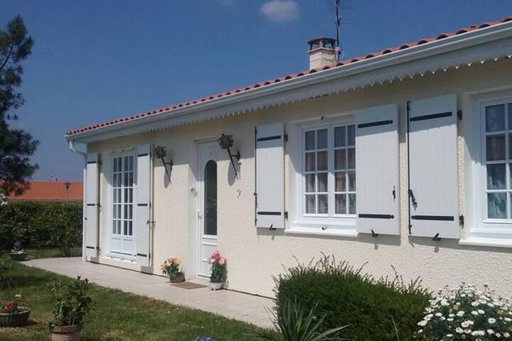 Près Centre Formation1 chambre privée maison calme