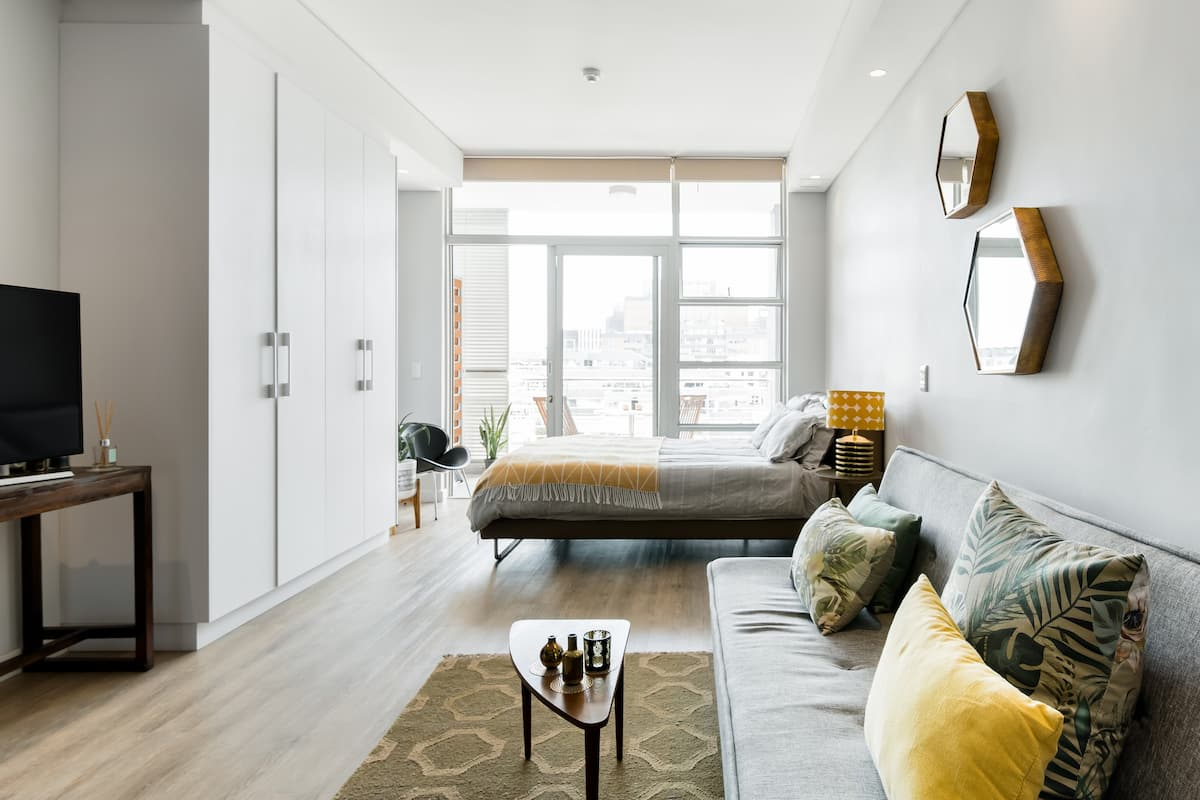 Stylish Flat in Cape Town's Trendy City Center