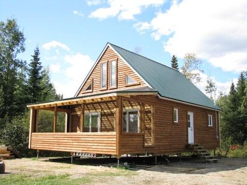 Chalet en bois avec foyer