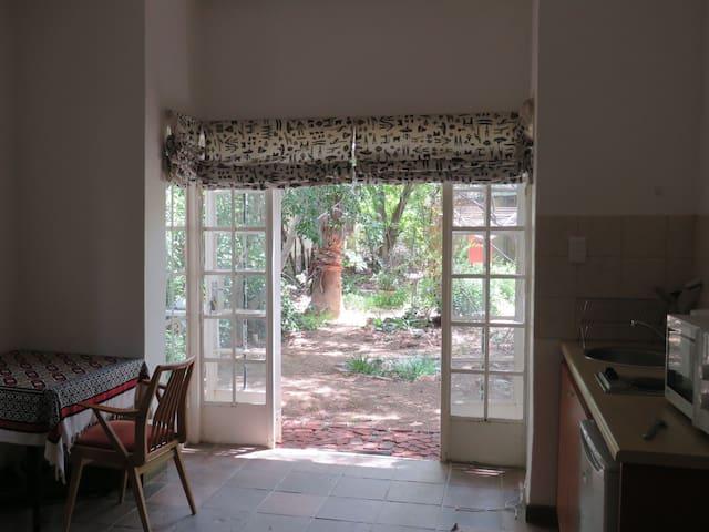 Self catering guest room - Windhoek - Dům