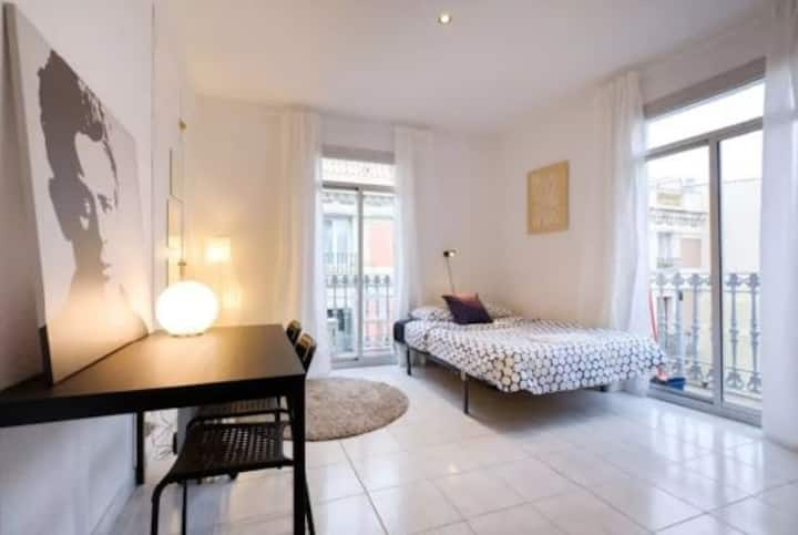 Loft style apartment a few steps from las Ramblas
