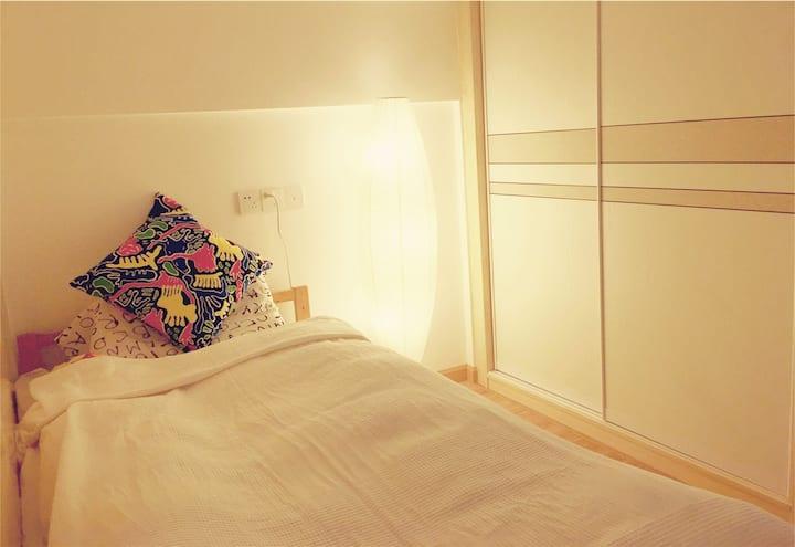 An open room in a cozy loft @Baosha qu, line7