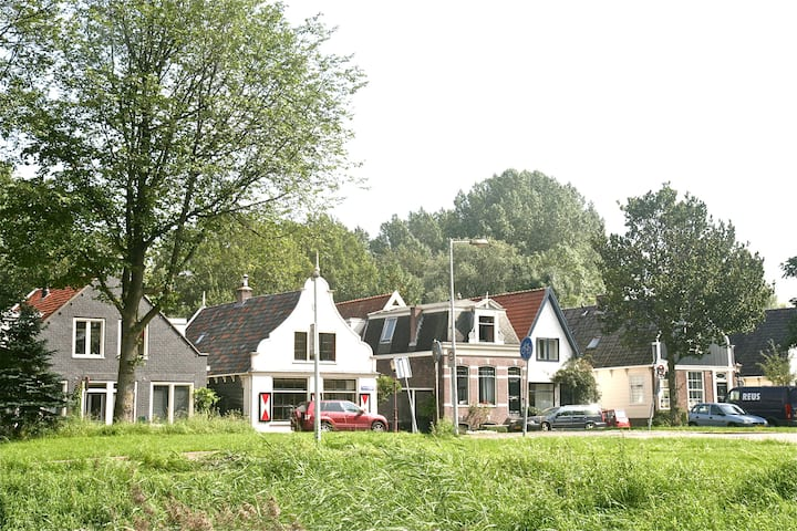 Noorderpark View, free parking 300m, top location
