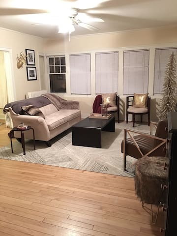 Cozy 1 Bdrm Apt in Historic Downer - Milwaukee - Departamento