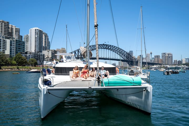 Stay onboard a Luxurious 40 foot French Catamaran!