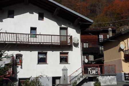 Casa indipendente a pochi Km. da Breuil-Cervinia - Maen - Talo