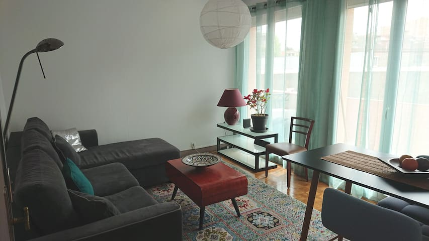 Cosy, quiet and bright appartment near the center
