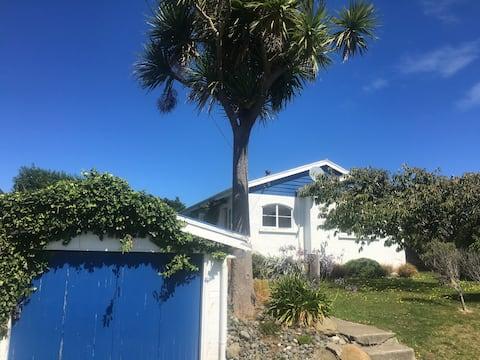 Cosy Cottage Near the Sea