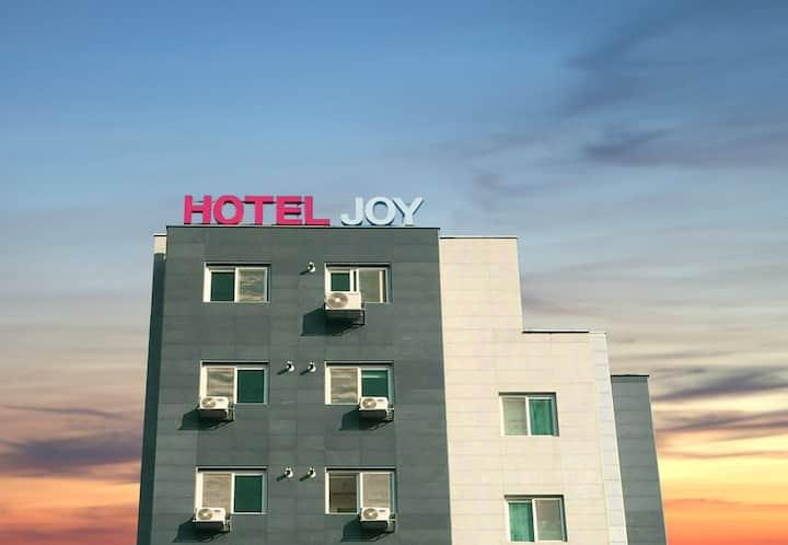 HOTEL JOY(Suite Room), Close to Camp Humphreys