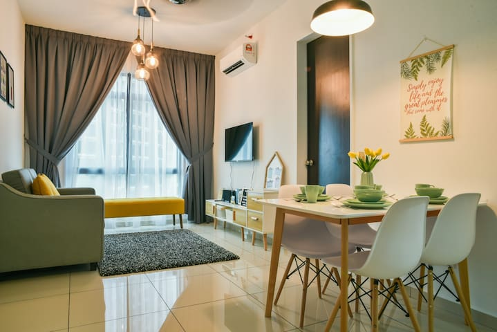 Serene Stay @ Cyberjaya with Netflix | Near KLIA