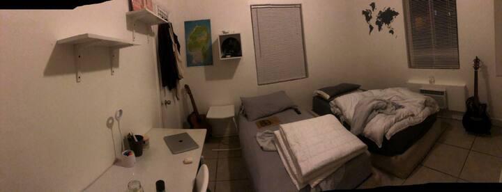Se renta habitación para 2 personas