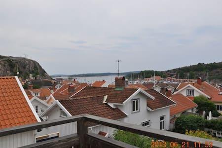 Hus mitt i Grebbestad - Tanum V - Huis