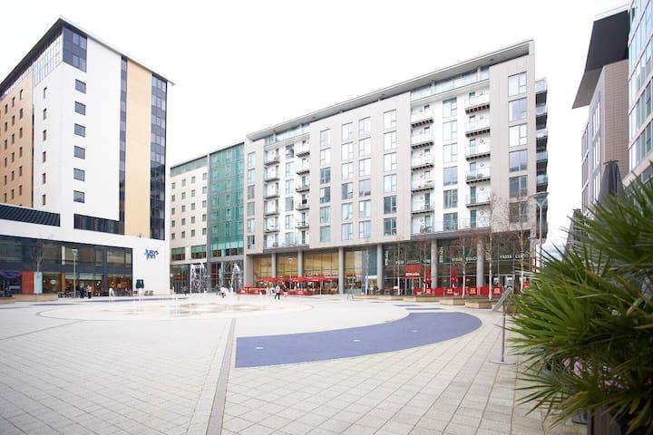 The Hub:MK 1 bedroom apartment - Milton Keynes - Flat