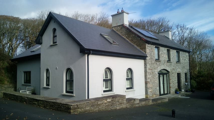 Luxury 2 Bed Cottage and 2 Bed Coach-House