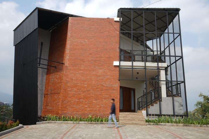 Villa Insani Batu Diponegoro 99 B (1st Floor)