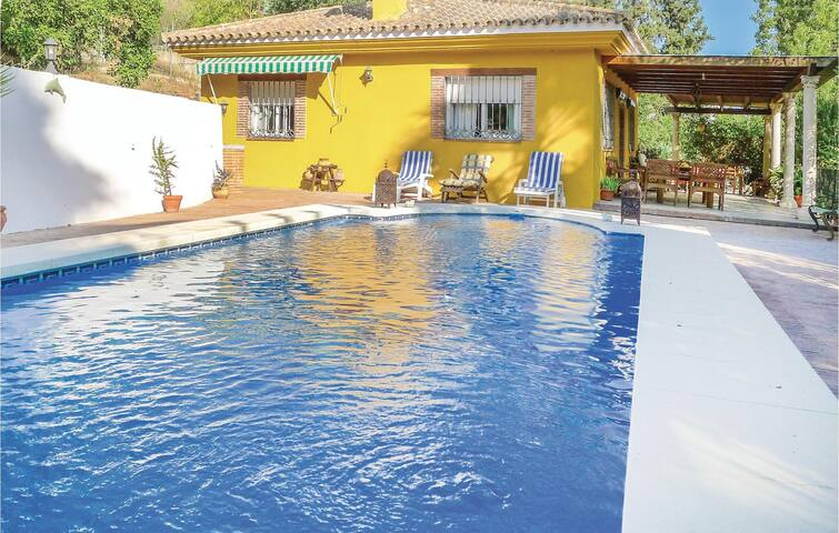 Holiday cottage with 2 bedrooms on 72m² in Coin