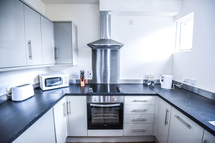 Spacious private serviced apartment #6 - Hull - Serviced flat